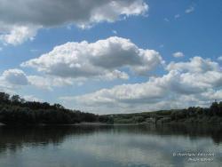 Река Десна и пешеходный мост