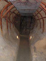 Ход в Антониевых пещерах