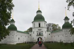 Спасо-Преображенский монастырь в городе Новгород-Северский
